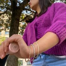 Une promenade en trottinette @dott_fr avec nos joncs en argent sur le bras...   #chicsportif #dott_france #sfbijoux #bijouxargent925 #bangles #instadaily #viecitadine #bijouxparisien #joncsenargent #silverjewelry #silverbracelet