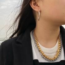 Beach bijoux of Deauville in the month of March.   #chains #maillepalmier #bijouxsf #sfbijoux #foxtailchain #goldplatedjewelry #bijouxaddict #jewelryaddiction #accessoriesoftheday #jewelrygoals #jewelerylover #bijoux #collier #necklace #instabijoux #saintefoybijoux #necklaceoftheday #collierdujour