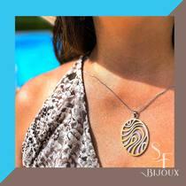 ☀️ Faites des vagues avec notre pendentif en acier bicolore.  💍❤️☀️💎 🛒🛍Achetez en ligne ou sur place à la boutique. Infos dans bio.  www.saintefoy-bijoux.fr #saintefoybijoux #stainlesssteeljewelry #bijouxsf #necklace #pendentif #pendant #bijouxenacier #saintfoybijoux #fashiontrend #fashionjewelry #pendant #summerjewelry #shinyjewelery #ladiesjewelry #instadaily #instajewelry #wholesalejewelry #pariswholesalejewellery #grossisteenligne #grossistebijoux #frenchjewellery #bijouxfrancais #wholesalejewellery #necklace #bijouteriefantaisie #bijouxparis #instabijoux